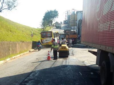 Prefeitura tapa-buracos pela cidade