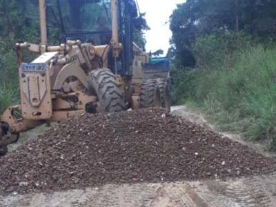 Prefeitura executa manutenção em ruas do Orquidiama no final de semana