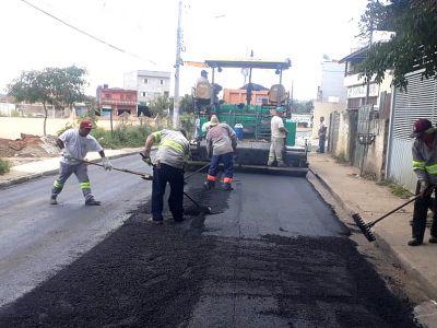 Estrada do Capão Bonito começa a ganhar novo piso asfáltico
