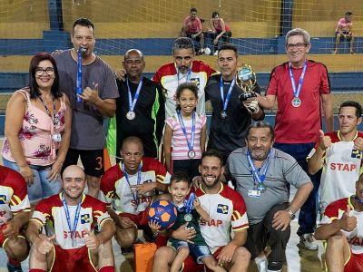 Grêmio Recreativo premia vencedores do 1º Festival de Futsal da Proguaru
