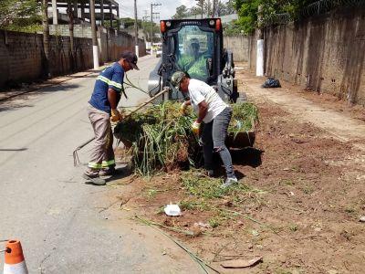 Prefeitura realiza ações de zeladoria em diversos bairros